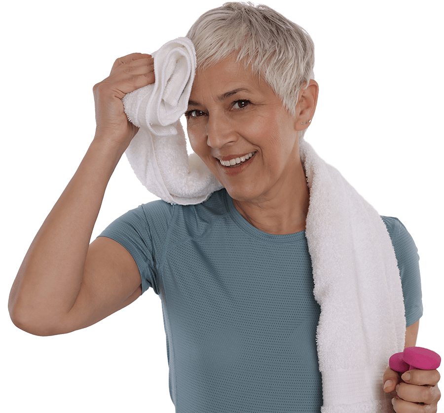 Donna si asciuga la fronte con un asciugamano